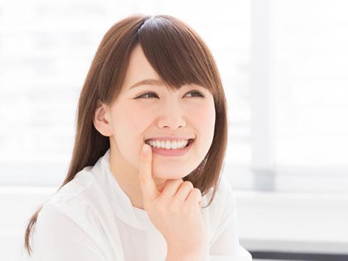 セラミックを使用した歯並びの治療とは?