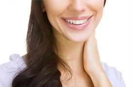 セラミックと部分矯正を併用する治療