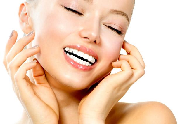 白い歯にはプルプル唇が似合う!リップケアで魅力アップする方法